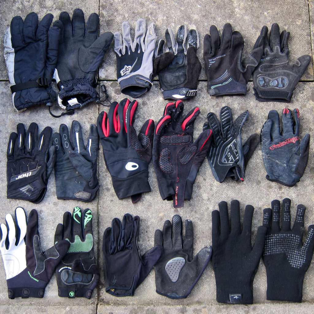 9 pairs of MTB gloves