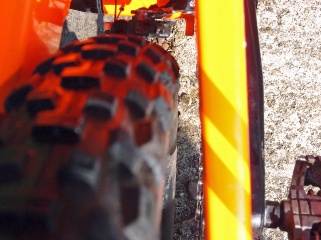 Orange Segment S rear tyre clearance