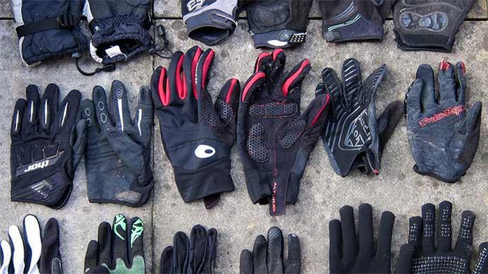 mtb-gloves-thumb